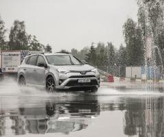 Toyota Ja-Now-an Hybrydy_10